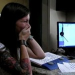 Chica sorda se escucha a si misma por primera vez gracias a un implante