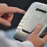 Intelligent Fingerprinting: Dispositivo portátil que detecta fármacos en las huellas digitales