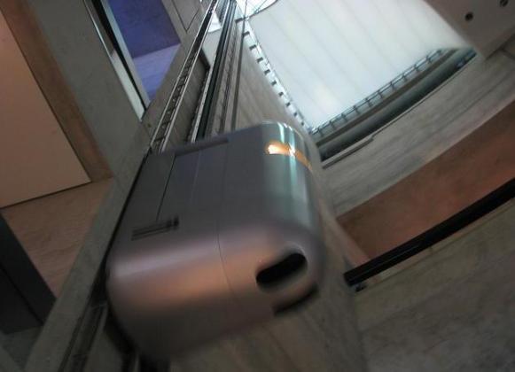 Mercedes-Benz-Museum-elevator-2