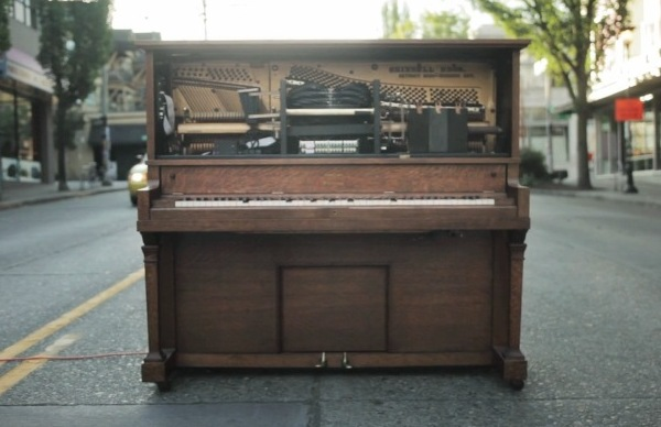 Stanley-Interactive-Piano