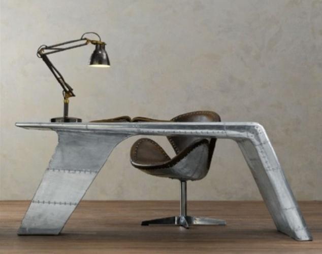 aviator-desk-1
