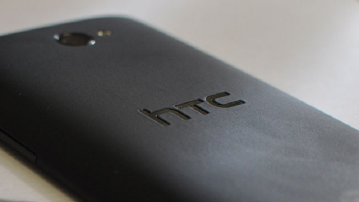 HTC-One-M8-plastico