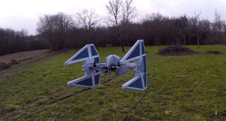 Dron convertido en un TIE Interceptor de Star Wars