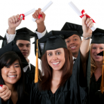 Universidad Británica devolverá dinero a egresados si no encuentran empleo
