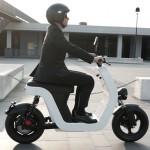 La moto Vespa se renueva con moderno diseño ecológico