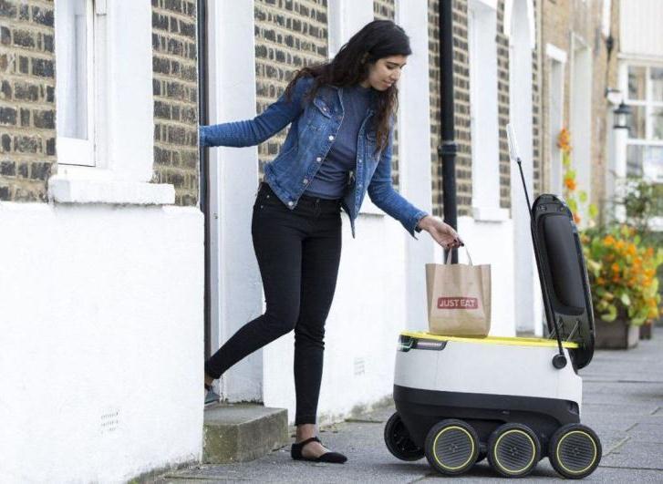 Reino Unido: empiezan a enviar comida a domicilio con robots autónomos