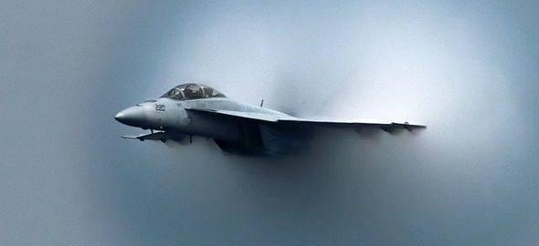 Marina de los EE.UU. desea eliminar la dependencia del Petróleo en sus Aviones