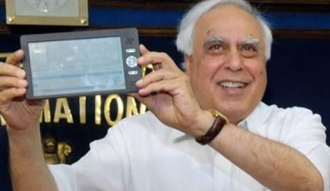 Presentan en la India una Laptop de $35