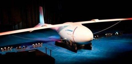 Boeing presenta un Avión no tripulado que puede volar por cuatro días seguidos