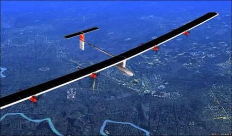 Despego el Avión Solar que proyecta dar la vuelta al Mundo