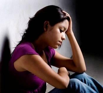Las Personas jóvenes y adictos a Internet son más propensos de sufrir Depresión