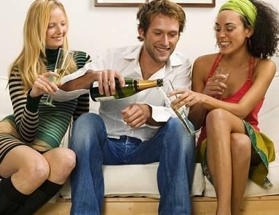 El alcohol nos hace ver a todo el mundo más atractivo