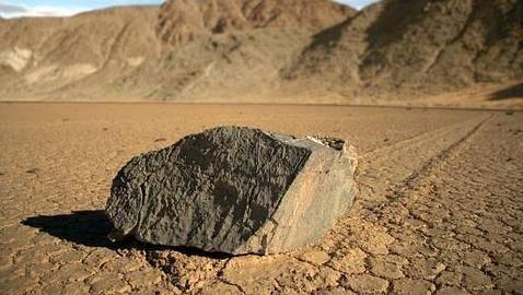 El Misterio de las piedras que se mueven solas en el Valle de la Muerte