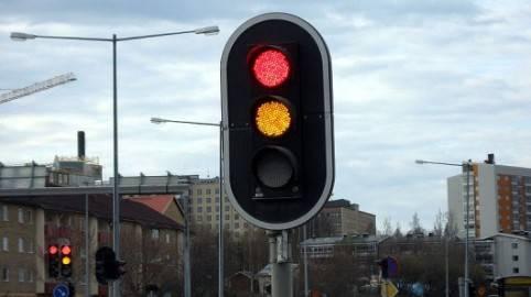 Sistema que permite a los semáforos controlar el tráfico en tiempo real