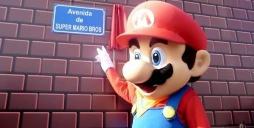 """Un barrio Español presenta la calle """"Súper Mario"""""""