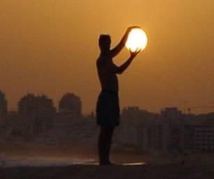Española se ha declarado propietaria legítima del Sol, pero no es la primera persona