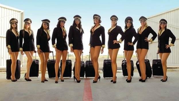 Aeromozas de Mexicana y su calendario sexy para el 2011