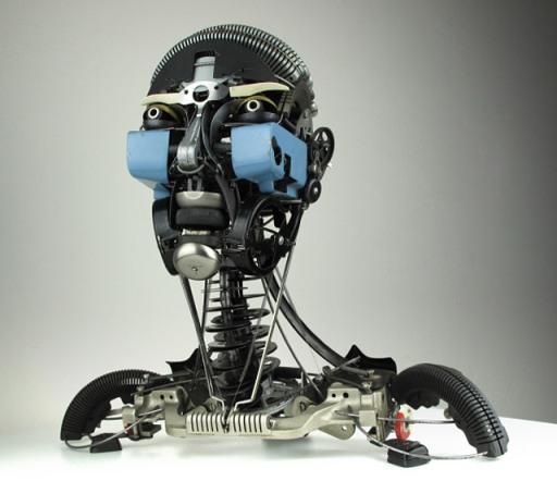 Esculturas hechas con partes de máquinas de escribir