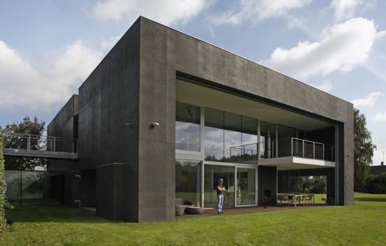 Moderna Casa convertido en un fortín impenetrable apretando tan solo un botón