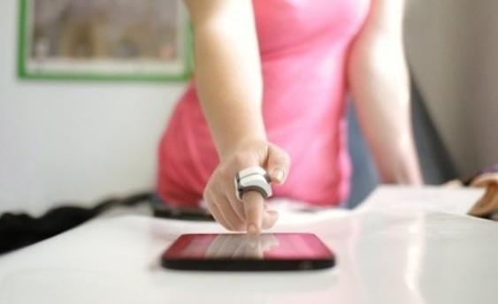 Ringbow: Un mouse de computador que se lleva en el dedo