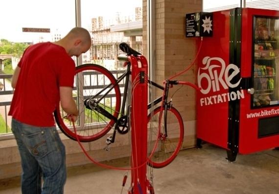 Bike Fixtation: Máquina expendedora de herramientas para bicicletas