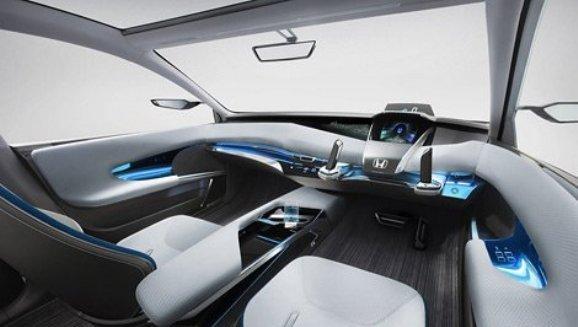 Honda lanza dos nuevos coches híbridos y con Joystick en lugar de volante