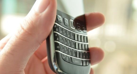 RIM seguirá fabricando smartphones con teclado