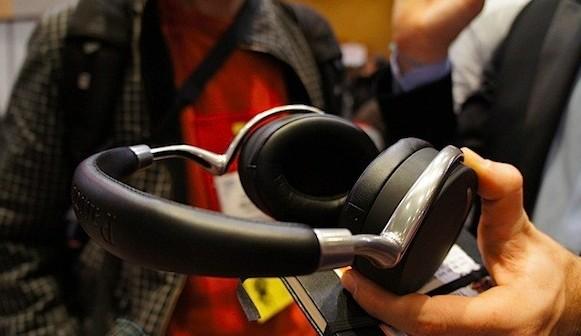 CES 2012: Auriculares Parrot Zik buen diseño con tecnología de punta