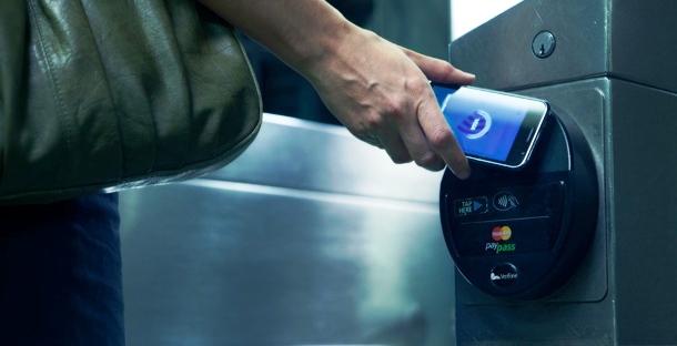 Mastercard y Apple estarían en tratos para utilizar la tecnología de pagos NFC