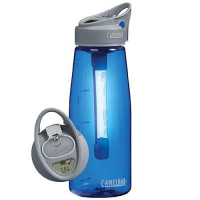 Camelbak All Clear, la botella con LED ultravioleta que esteriliza todo liquido que eches