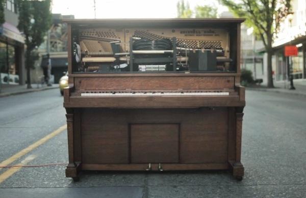 Stanley, el piano que acepta solicitud de canciones vía Twitter