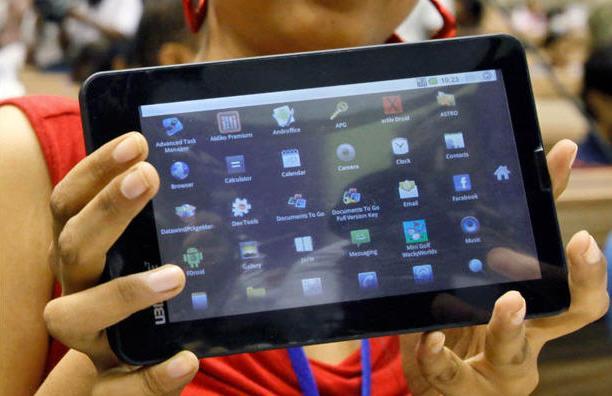 India: presentan Aakash 2, la tableta más económica del mundo