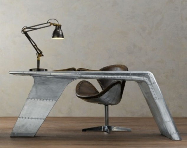 aviator-desk-1