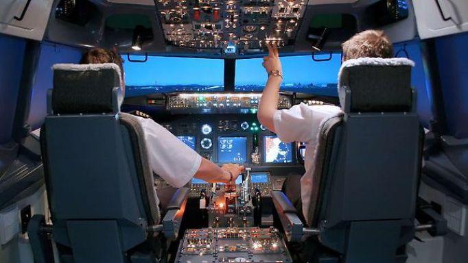 Aviones comerciales del futuro podrían ser manejados por un solo piloto