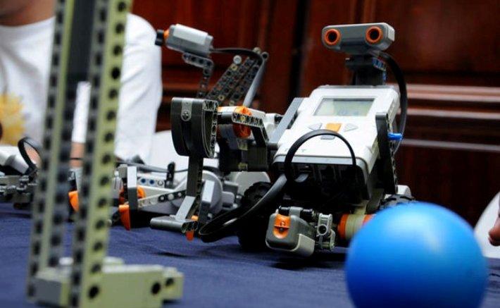 Colegio Peruano nos representará en la Olimpiada Mundial de Robótica en Indonesia