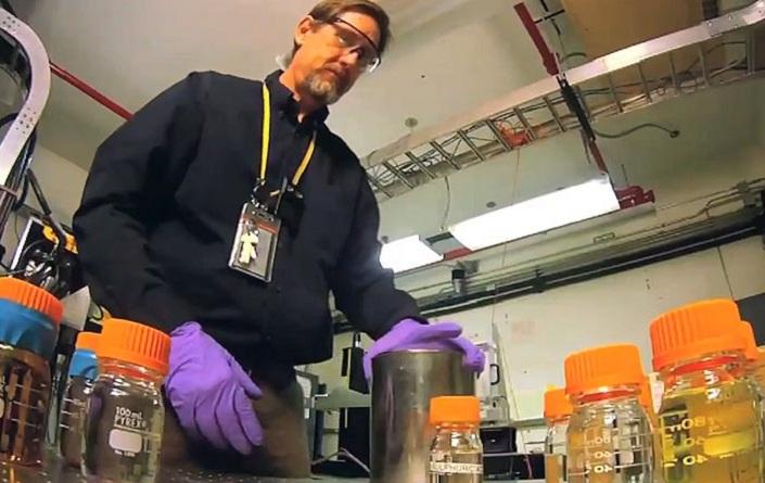 Desarrollan nuevo escáner para aeropuertos que identifica sustancias peligrosas