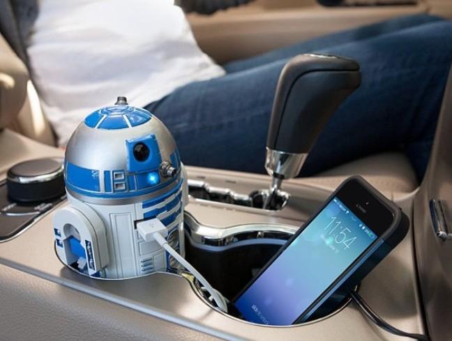 Cargador para auto de R2-D2: el droide que buscabas para cargar tus dispositivos USB