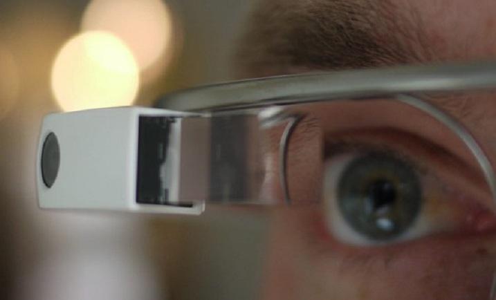 Google Glass ya tendría en producción una versión de lentes de prescripción