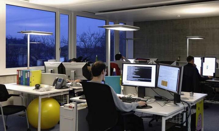 Google impone en sus oficinas el uso de computadoras de la for Oficinas de apple