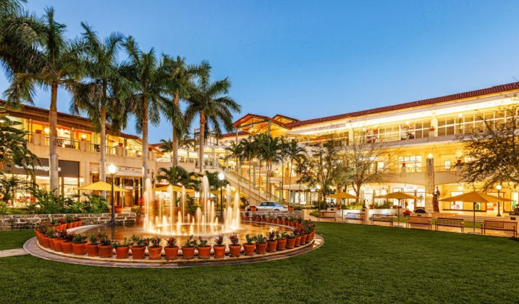 Village of Merrick Park: La experiencia de compras más exclusiva de Miami