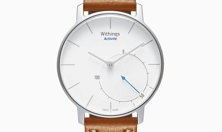 Whithings presenta su reciente smartwatch con un diseño de reloj tradicional
