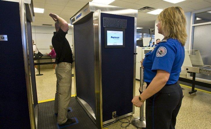 Encuentran agujeros de seguridad en modernos escáneres usados en aeropuertos