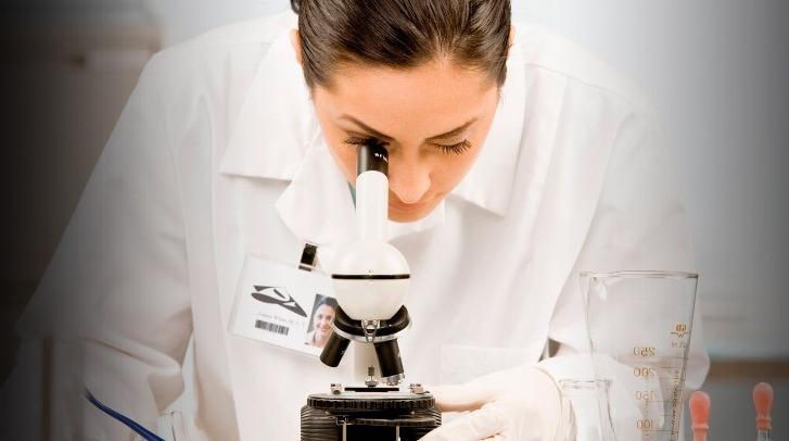 Investigadores desarrollan un chip capaz de analizar simultáneamente en una gota de sangre hasta 10 marcadores biológicos