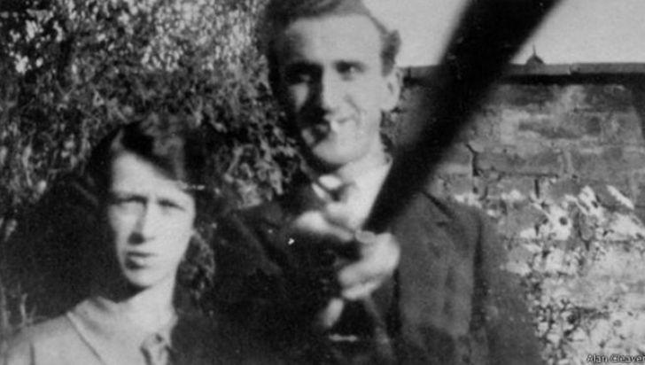 """El primer """"selfie stick"""" camino a cumplir 90 años de creación"""