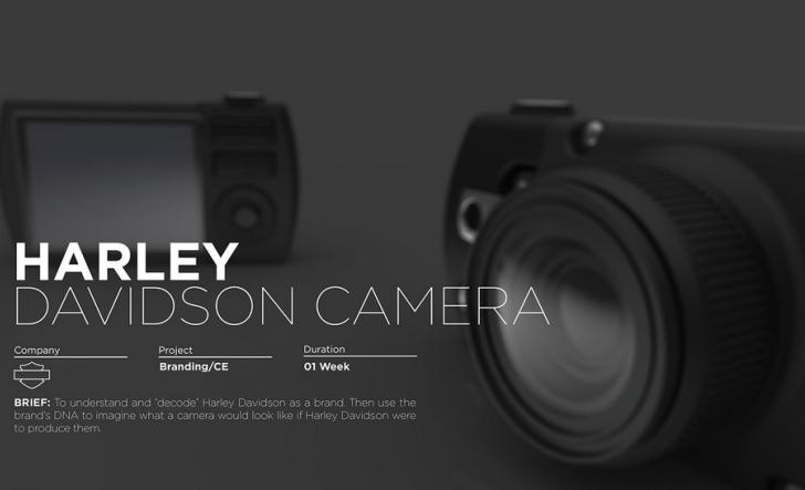 Concepto de una cámara fotográfica con el sello de la marca Harley Davidson