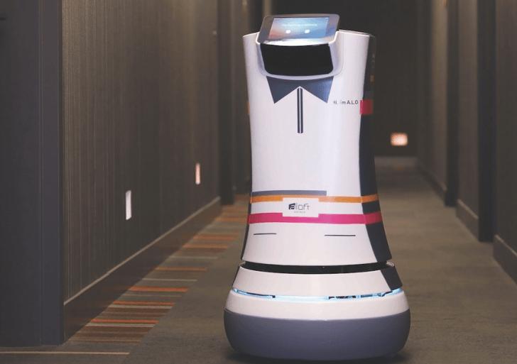 Un Hotel de California contrata robots para que trabajen como mayordomos