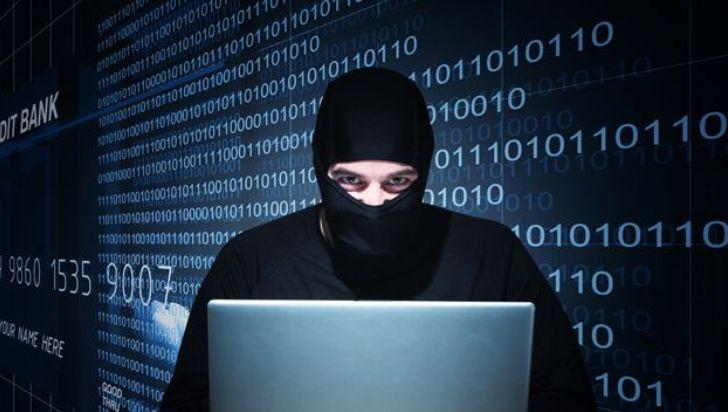 Hackers roban US$1000 millones a grupo bancario mediante malware