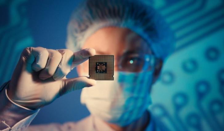 Crean chips de luz que pueden almacenar datos de forma permanente