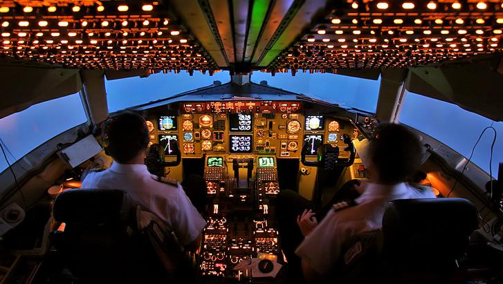 Lo que sucede si el piloto de un avión muere en pleno vuelo