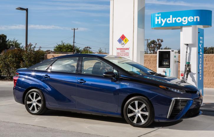 Toyota establece el 2050 como fecha límite para vender coches diesel o de gasolina